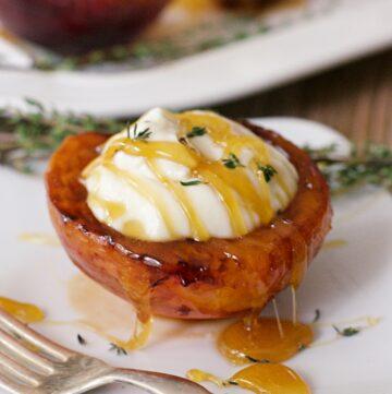Pan fried peach with mascarpone