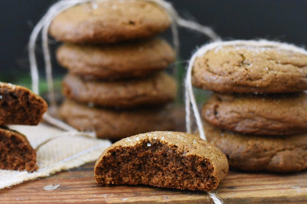 soft chewy gingerbread molasses cookies