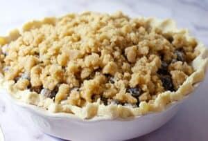making blueberry pie